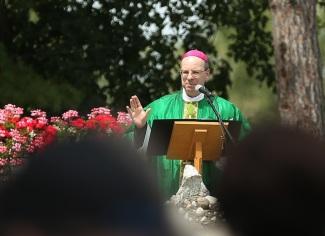 2016 July 31 - Pilgrimage to St Anne's Shrine33 bishop